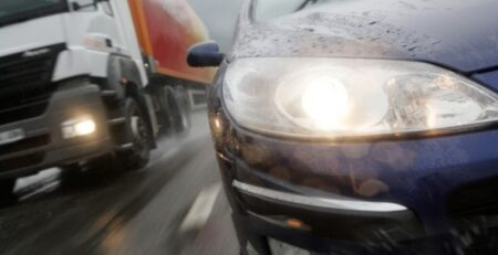 Какими сигналами предупреждают друг друга водители