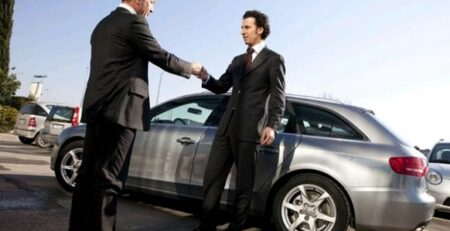 Как принимать машину в салоне?
